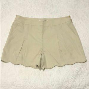 Trina Turk Taupe Scallop Hem Shorts sz 10 NWT